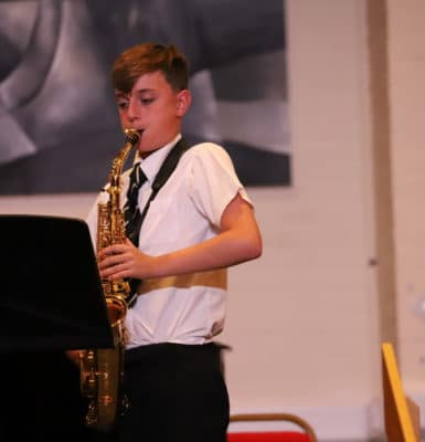 Live audience returns for music concert